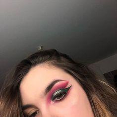 "Melody Barek on Instagram: ""J'ai essayer de reproduire un makeup de @marioncameleon 🍒  #makeupartist #palette #makeup #marioncameleon #passion #ontest #essaie…"" Palette, Passion, Makeup, Rings, Jewelry, Instagram, Make Up, Jewlery, Jewerly"