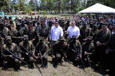 Honduras:  Elementos de las FF AA recibirán entrenamiento de israelíes  Se graduaron 32 tesones, 16 maestros de salto y 105 elementos castrenses en paracaidismo. La ceremonia fue encabezada por el presidente Juan Orlando Hernández y la cúpula militar.