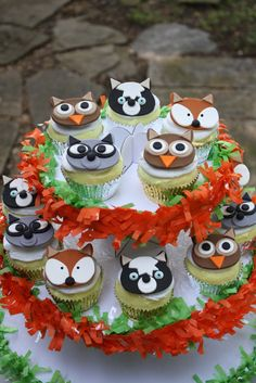 31 Ideas For Baby Shower Cake Woodland Animals Cupcake Toppers Fondant Cupcakes, Cute Cupcakes, Cupcake Cakes, School Cupcakes, Cup Cakes, Deco Cupcake, Woodland Cake, Woodland Party, Animal Cupcakes