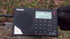 Tecsun PL-310ET + 240 metre barbed wire fence = 100 signals detected