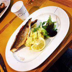 Oggi a pranzo da Eataly Smeraldo   #Eataly_Smeraldo #pranzo #orata #purè #new #opening #top #location #exTeatro_Smeraldo #garibaldi #piazza #XXV_Aprile #foto #photo #social_network #pinterest #twitter #instagram #facebook #filtro #it #italia #milan #milano #kiss #follow #followme