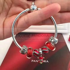 >>>Pandora Jewelry OFF! Pandora Bracelet Charms, Pandora Jewelry, Charm Jewelry, Diy Jewelry, Charm Bracelets, Bangle, Jewelry Making, Pandora Christmas Charms, Bracelet Designs