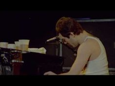 Queen - Rock Montreal - Somebody to love HQ - This concert is pretty amazing