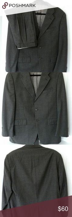 Ralph Lauren Men's Suit 40R Pants Size 34x32 Men's suit by Ralph Lauren Jacket size 40R Pant size 34 x 32 Lauren Ralph Lauren Suits & Blazers Suits