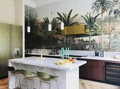 It looks like these are made for this kitchen! Küchen Design, House Design, Interior Design, Kitchen Wallpaper, Blog Deco, Cuisines Design, Beautiful Interiors, Cool Kitchens, Decoration