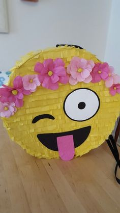 My DIY Emoji piñata with a flower headband. Love the outcome! Made to order lia. My DIY Emoji piña 13th Birthday Parties, 11th Birthday, Birthday Fun, Slumber Parties, Emoji Pinata, Party Fiesta, Party Decoration, Diy Party, Party Ideas