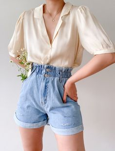 Our pocket full of daisies shorts and stay humble top Tap to shop this look. Mode Outfits, Retro Outfits, Cute Casual Outfits, Short Outfits, Casual Chic, Stylish Outfits, Band Outfits, Unique Outfits, Cute Shorts Outfits