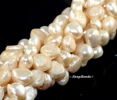 Magnolia Blossom Pearl Gemstone Baroque Button 11X9MM Long Loose Beads... DayBeads €3,92