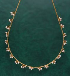Anklets/ chain Pearl Necklace Designs, Jewelry Design Earrings, Gold Earrings Designs, Emerald Jewelry, Beaded Jewelry, Pearl Jewelry, Gold Necklace Simple, Pearl And Diamond Necklace, Gold Jewelry Simple