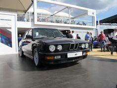 BMW E28 M5 E28 Bmw, Bmw Vintage, Bmw Series, Bmw Cars, Car Photos, Motor Car, Automobile, Garage, Car