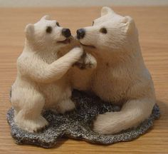Baby Polar Bear Miniature Figurine Bears Touching Paws Dollhouse Fairy Garden