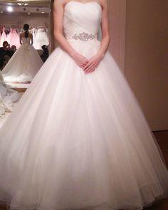 2016.01.10 No.6 チュールバレリーナ/az(ブライダルコアTOKIWA)  上半身にビジューがなくチュールのみのシンプルなドレス ビジュー付きのサッシュベルトを巻いてくれました 胸元は貧乳でもいけるタイプのハートカットだったのでそこはgood こっちもかわいかったです  #ukisdress  #パシフィックハーバー#ウェディング#ウェディングドレス#weddingdress#ブライダルコアときわ#ブティックaz#プレ花嫁#WD#ドレス試着#ドレス試着記録#バレリーナ by ukiuki15