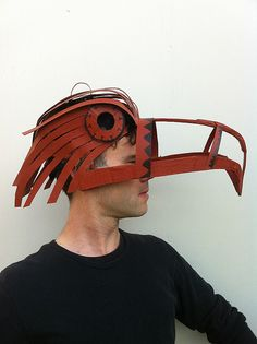 masks from corrugated card Cardboard Mask, Cardboard Sculpture, Bird Costume, Aztec Costume, Bird Masks, Paper Mask, Animal Masks, Mask Making, Art Plastique