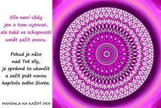 Mandala Důvěřuj své intuici a síle Mandala Art, Outdoor Blanket, Symbols, Motivation, Words, Life, Motto, Mandalas, Psychology