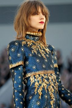 Gold embroidery on blue #details #couture #embroidery #gold