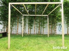 DIY Outdoor Privacy Screen and Shade - Tutorial Do you wish your backyard was a little more shaded a Backyard Shade, Backyard Canopy, Outdoor Shade, Patio Shade, Diy Canopy, Backyard Privacy, Canopy Outdoor, Pergola Shade, Backyard Landscaping