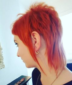 Today I had to withstand some playground insults from a group of middle aged men who apparently didn't like my Chelsea cut.  Oh well, I love my little rat tails    #chelseacut #girlswithmullets #skinheadgirls #haircut #orangehairdontcare