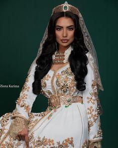 Morrocan Dress, Moroccan Bride, Moroccan Wedding, Moroccan Caftan, Pretty Dresses, Beautiful Dresses, Muslim Wedding Dresses, Muslim Brides, Muslim Couples