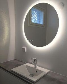 """84 tykkäystä, 7 kommenttia - Belinda (@b_bellis) Instagramissa: """"Uuden kodin wc:n peili on asennettu 😍 #valopeili #otsoson #mirror #toiletdesign #uusikoti #newhome…"""" Bathroom Lighting, Mirror, Furniture, Instagram, Ideas, Home Decor, Bathroom Light Fittings, Bathroom Vanity Lighting, Decoration Home"""