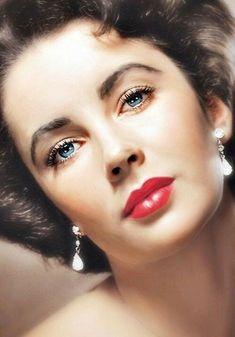 Elizabeth Taylor Hollywood Goddess Of The Golden Age Of Film 🌟🎬 Hollywood Icons, Golden Age Of Hollywood, Vintage Hollywood, Hollywood Glamour, Classic Hollywood, Hollywood Stars, Classic Actresses, Beautiful Actresses, Edward Wilding