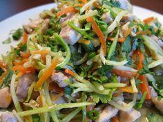Paleo Chicken Pad Thai (21DSD)  #ThePaleoMom