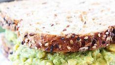 The best cauliflower breadsticks (keto, paleo, vegetarian & gluten Clean Eating Breakfast, Clean Eating Snacks, Clean Eating Recipes, Breakfast Smoothies, Veggie Hummus Wrap, Meal Prep Bowls, Healthy Meal Prep, Healthy Soup, Healthy Salads