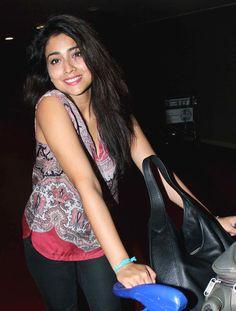 Shriya Saran at Mumbai airport. #Bollywood #Fashion #Style #Beauty #Hot #Sexy