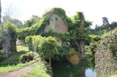 Giardini di Ninfa - scorcio del ponte del macello