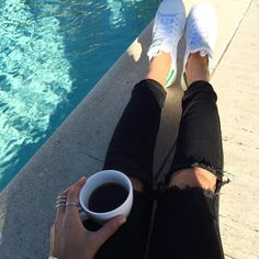 Happy thoughts this #monday morning  #thesicilianswede #ineedavacation #wanderlust #poolside #coffee