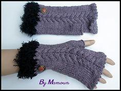 """Mitaines en laine tricotées main """"les torsadées bruyère et fausse fourrure noire : Mitaines, gants par mamountricote"""