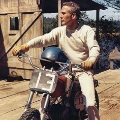 """1971 ~ Paul Newman in Oregon on the set of """"Sometimes a Great Notion,"""" boning up on his off-road skills under the wing of the great J. Roberts - a top desert / off-road racer in the - Tron Bike, Ghost In The Machine, Desert Fashion, Special Pictures, Its A Mans World, Paul Newman, Steve Mcqueen, Mens Clothing Styles, Cool Bikes"""