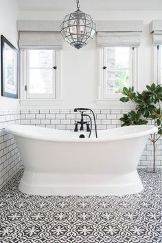 The Color Scheme That Never Fails to Deliver a Stylish (and Serene) Bathroom