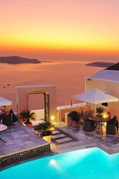 Santorini, - The Hotel Antliz. I stayed here 10 years ago. Santorini was my fantasy destination and was beyond my imagination Places Around The World, Oh The Places You'll Go, Places To Travel, Around The Worlds, Vacation Destinations, Dream Vacations, Italy Vacation, Resorts, Beautiful World