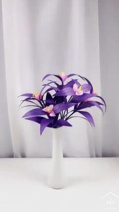 Diy Crafts For Home Decor, Diy Crafts Hacks, Creative Crafts, Handmade Flowers, Diy Flowers, Fabric Flowers, Tissue Paper Flowers, Paper Crafts Origami, Flower Tutorial