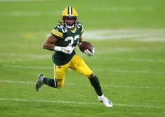 Pro Bowl running back Aaron Jones has agreed to a new deal with the Green Bay Packers and won't be exploring free agency. Green Bay Football, Green Bay Packers, Packers Football, Football Team, Nfc Championship Game, Derrick Henry, Jim Brown, Nfl Network, Nfl History