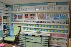 AWESOME craft/scrapbook room ideas!!! dawnsparkles   http://media-cache4.pinterest.com/upload/115967759124289439_T53Qz7CP_f.jpg