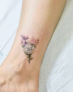Mini Tattoos On Ankle; Mini… Mini Tattoos On Ankle; Dainty Flower Tattoos, Flower Bouquet Tattoo, Delicate Tattoos For Women, Little Flower Tattoos, Little Flowers, Mini Tattoos, Body Art Tattoos, Small Tattoos, Wrist Tattoos