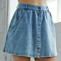 Vintage denim skirt! From Pacsun! Never worn, in great condition. Bullhead Skirts