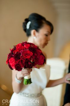 Mix light and dark red to give your bouquet more depth.