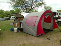 Our t@b trailer pop-up tent will keep you shaded and protected from the elements. Browse more trailer accessories from Teardrop Shop!