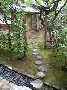 This is a path to a teahouse. The distance between stepping stones is rather narrow. It is too dense for one step. Why are they put so dense? Because people walk on the stones slowly and enjoy seeing the garden fully. The dense stepping stones is a device for appreciating the garden.