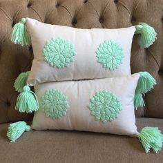 Pillow Crafts, Diy Pillows, Decorative Pillows, Throw Pillows, Hand Embroidery Art, Mexican Embroidery, Heart Cushion, Crochet Cushions, Fabric Painting
