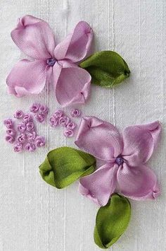 Fleurs au ruban