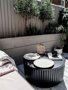 8 Ways to Styling Around Wellbeing for Outdoor and Indoor Spaces - With Habitat Boru Table Habitat - lunch break in the garden Interior Blogs, Interior And Exterior, Interior Design, Garden Furniture, Outdoor Furniture Sets, Outdoor Decor, Home Decor Styles, Diy Home Decor, Natural Plates
