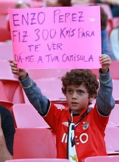 SPORTS And More: #Portugal #Photo of the day young #SLBenfica fan t...