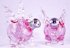 Flying Pigs Picnic Shaker Pair: Gazelle Art Glass: Art Glass Salt and Pepper Shakers - Artful Home