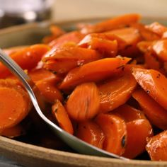 A combination of brown sugar and apple juice makes these easy candied carrots sweet but not cloying. Chopped fresh thyme brightens the flavor in this classic side dish, but feel free to omit it if you want an even simpler dish. Thanksgiving Dinner Recipes, Thanksgiving Side Dishes, Healthy Christmas Recipes, Easy Dinner Recipes, Easy Meals, Healthy Recipes, Apple Recipes, Easter Recipes, Quick Recipes