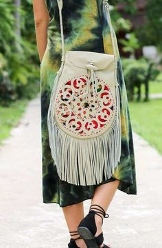 Boho bags come in many shape and sizes. But where to find the best? Check out these 10 fabulous brands you need to discover!
