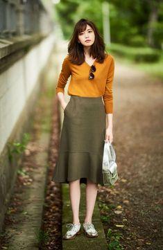 ideas for minimalist fashion casual hair Fashion Moda, Work Fashion, Modest Fashion, Skirt Fashion, Fashion Outfits, Japan Fashion Casual, Modest Outfits, Skirt Outfits, Casual Outfits