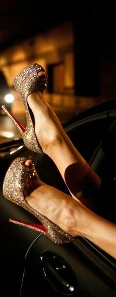 Elegant, simple Christian Louboutin heels for women fashion style. high heels,heels for women 2015 Louboutin Paradise Stilettos, High Heels Stiletto, Cute Shoes, Me Too Shoes, Fab Shoes, Shoes Style, Awesome Shoes, Crazy Shoes, Dream Shoes